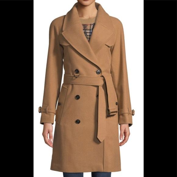94a37c20b Gorgeous Burberry Coat. NWT